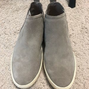 Taupe colored high sneakers